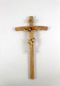 Crocifisso croce in legno e cristo in resina.